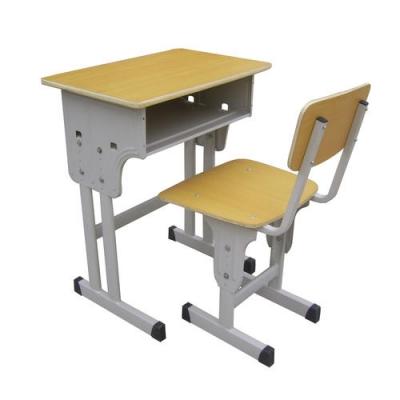 """学校课桌椅也要""""量体裁衣"""""""