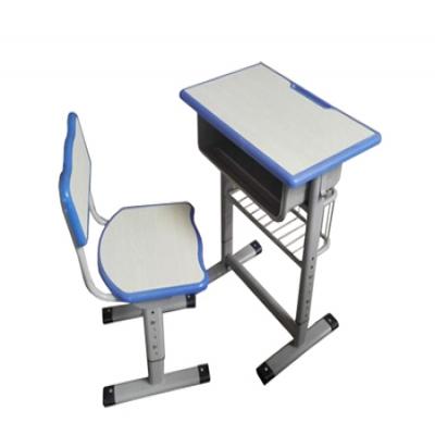 F18注塑边课桌椅